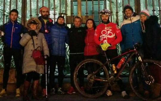 Foto de 160 km corriendo sin parar hasta Santiago por una promesa