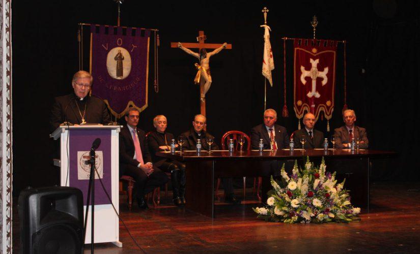 Foto de El Obispo de Astorga dío inicio a la Semana Santa villafranquina destacando su arriago