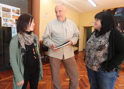 Foto de Villafranca presenta el libro con sus 25 parajes geomorfológicos singulares