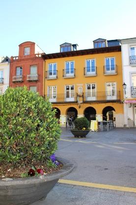 Foto de La inversión de 1,2 millones de euros dota a Villafranca con el primer hotel vinculado específicamente al enoturismo en El Bierzo