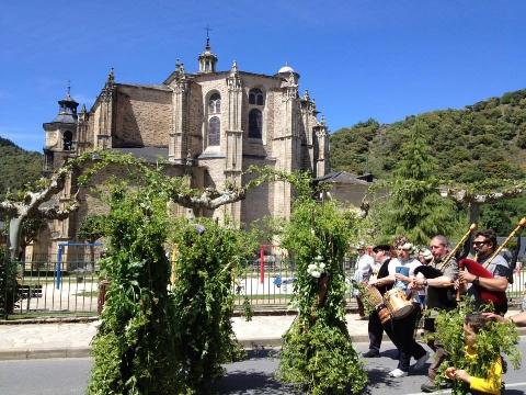 Foto de Horario Iglesias y Museo de Ciencias Naturales del 1 al 5 de Mayo