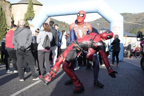Foto de Más de 500 corredores desafían al frío en una colorida Dragoman