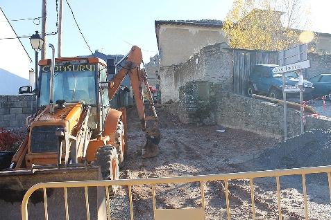 Foto de Villafranca del Bierzo acomete obras en la calle Santiago que obligan a establecer un desvío provisional para peregrinos